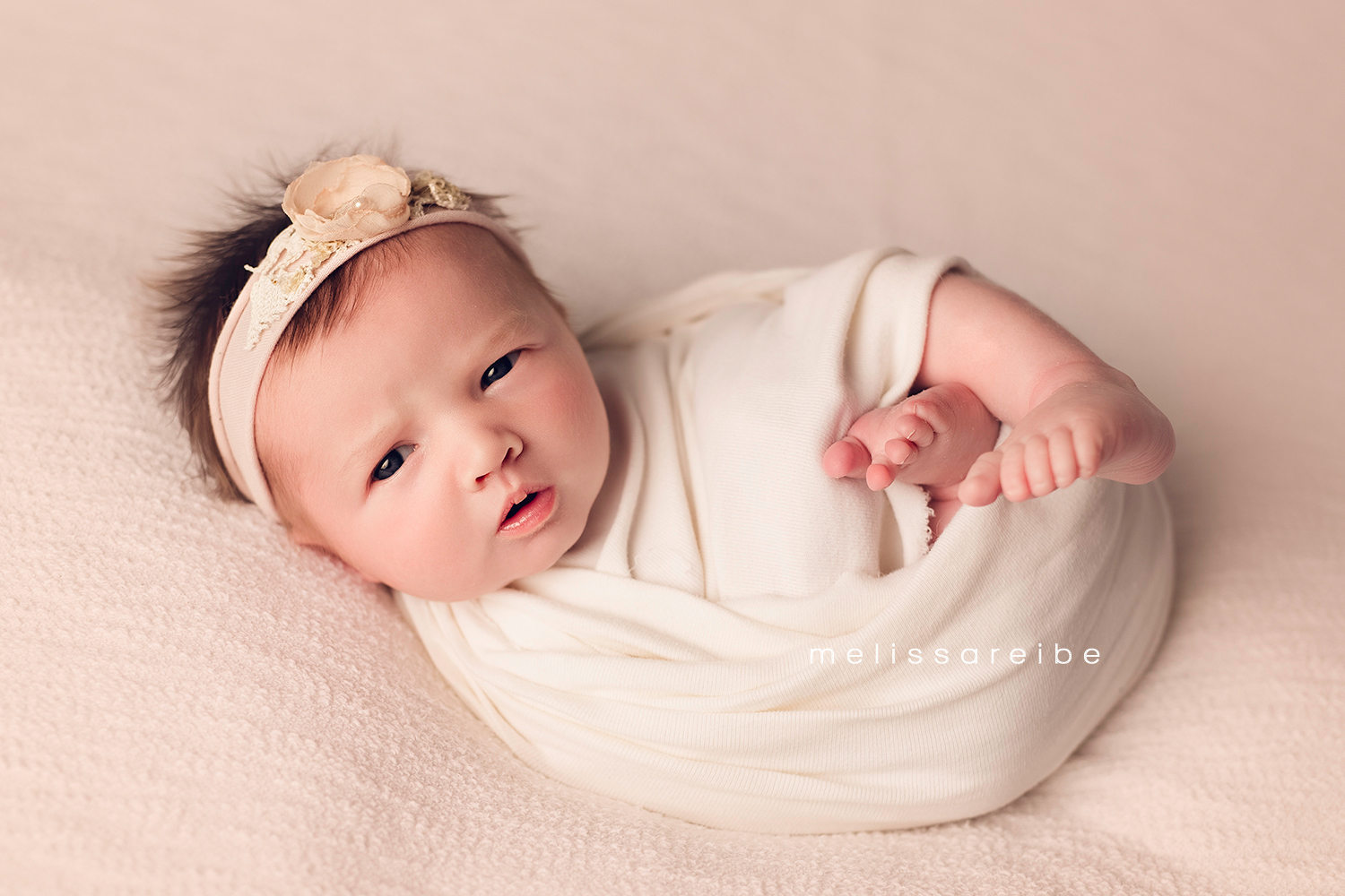 1130_Arkansas Newborn Photographer_open eyed newborn_open eyes_baby_wrapped_cream
