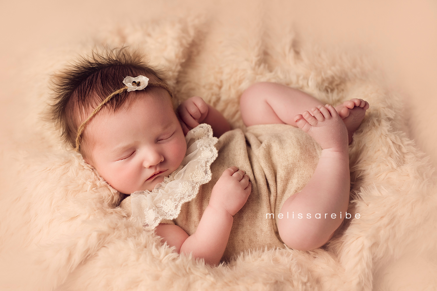 1130_Central Arkansas Newborn Photography_romper_lace_cream fur